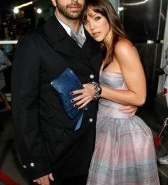 Friends, si sposa David Schwimmer. Intanto la Aniston pensa ancora a Pitt
