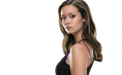 Summer Glau in The Cape; Evan Rachel Wood e Guy Pearce per Mildred Pierce