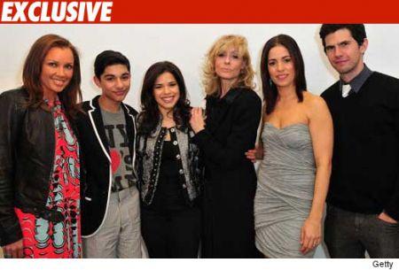 """""""Ugly Betty mi ha copiato"""", ex assistente di Oliver Stone cita per danni ABC e Touchstone"""