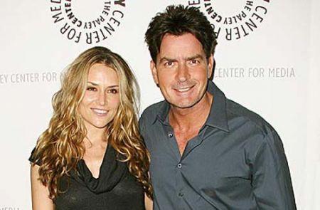 Brooke Mueller vuole il divorzio da Charlie Sheen?