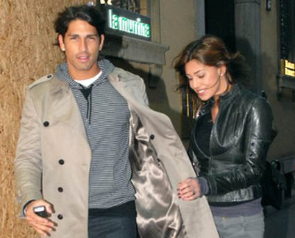 Belen Rodriguez lascia Corona per l'ex? Borriello smentisce