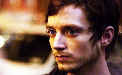 Pilot: Elijah Wood in Wilfred, CBS ordina Mad Love, Fox due script per Breaking In