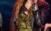 Miley Cyrus, trasgressiva con Cant' be Tamed