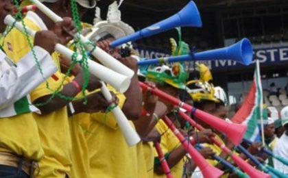 Mondiali Calcio 2010, tifoso tedesco annienta le vuvuzelas: ZDF e ARD ringraziano