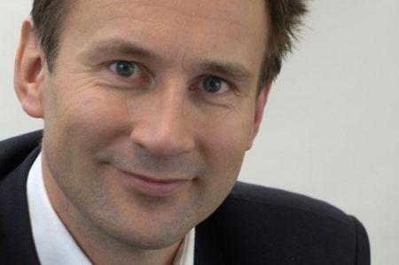 BBC, il governo inglese annuncia tagli al canone