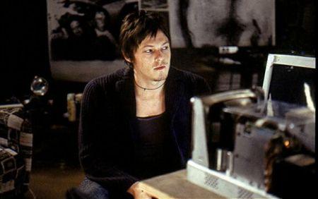 Norman Reedus in The Walking Dead; Frank Darabont svela registi e sceneggiatori