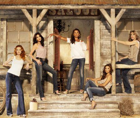 Foto promozionale per Desperate Housewives 7; novità per TBBT 4, Grey's Anatomy 7 e Nikita