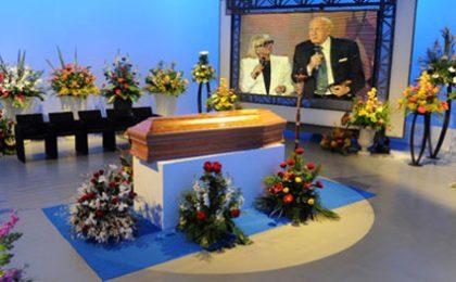 Sandra Mondaini: camera ardente a Mediaset, i funerali giovedì