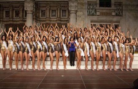 Miss Italia 2010: Malgioglio vs Platinette sulla presunta Miss non donna