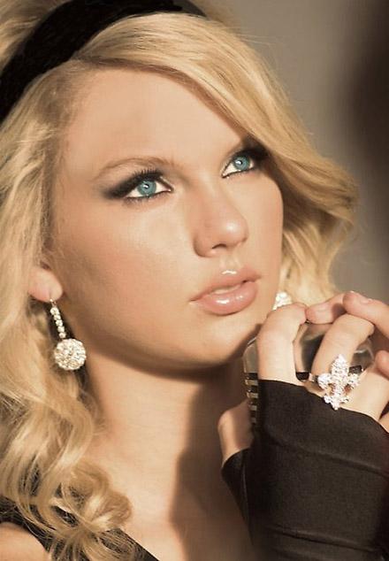X Factor 4, ospite Taylor Swift. diretta web V puntata. Eliminata Manuela