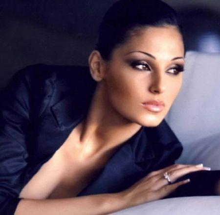 Anna Tatangelo, da X Factor 4 a Sanremo 2011