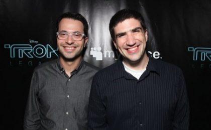 Edward Kitsis, Adam Horowitz e Damon Lindelof (Lost) al lavoro su una serie fiabesca