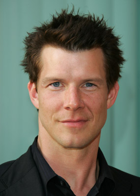 Eric Mabius in Bird Dog, Carla Gallo per Danni Lowinski, Dane Cook in Hawaii Five-0