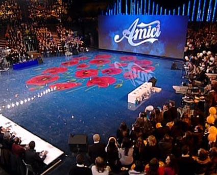 Ascolti tv 11 gennaio 2011, Amici 10 battuto da Eroi per Caso