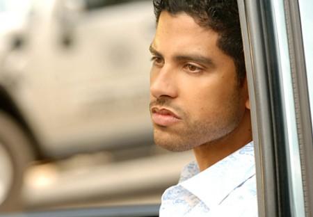 CBS: Adam Rodriguez regista e sceneggiatore di CSI Miami, preoccupazione per Charlie Sheen