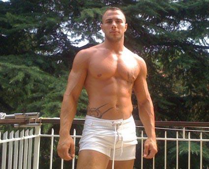 GF 11, bufera sul casting online: Nathan Lelli nella scuderia di Mora?