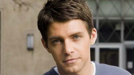 ABC: Ryan Devlin torna in Cougar Town, addii e arrivi in Brothers and Sisters ed un nuovo pilot