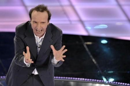 Sanremo 2011, i compensi: Benigni caro per la Lega; 600mila per Morandi?