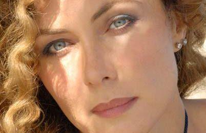Eleonora Brigliadori all'Isola dei Famosi per finanziare la sua arte