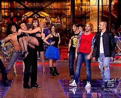 Ascolti tv sabato 5 febbraio 2011, La Corrida tiene e vince