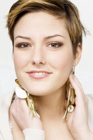 Sanremo 2011: Gabriella Ferrone, Un Pezzo d'Estate (Testo)