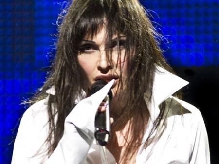 Sanremo 2011: Anna Oxa, La mia anima d'uomo (testo)
