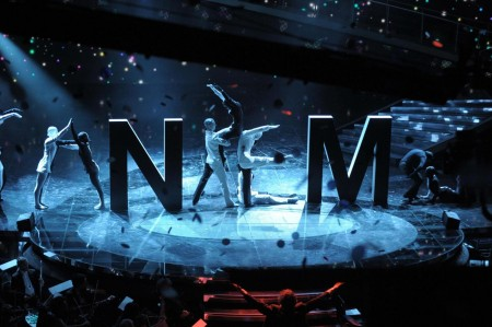 Sanremo 2011 fa il bis: oltre 10 mln per la seconda serata