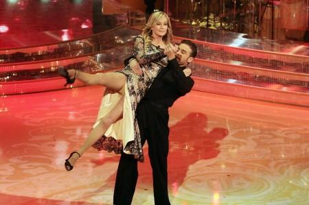 Ascolti tv sabato 5 marzo 2011, Ballando vince ancora