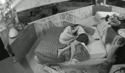 Grande Fratello 11, (finalmente) bacio fra Andrea e Margherita