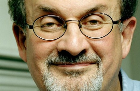 Pilot: Salman Rushdie per Showtime, Ellen Barkin in A Mann's World; le altre novità
