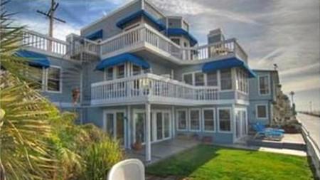 Beverly Hills, 90210: in vendita la casa di Kelly e Donna