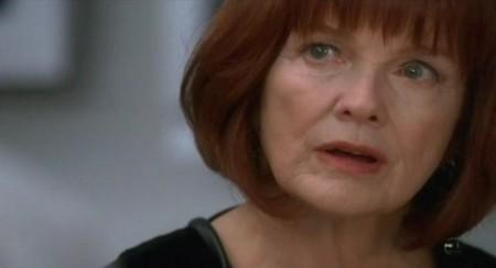 Fringe 4, Blair Brown dirigerà un episodio; novità per Covert Affairs e 30 Rock