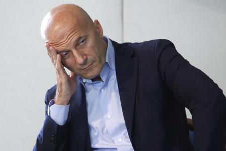 Minzolini e Berlusconi indagati per abuso d'ufficio; Celentano viola Par Condicio ad Annozero