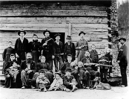 "History e Kevin Costner si danno al western con ""The Hatfields And McCoys"""