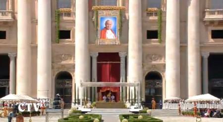 beatificazione wojtyla facciata san pietro