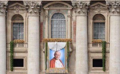 Beatificazione Giovanni Paolo II, foto e video
