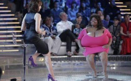 Ascolti tv domenica 19 giugno 2011: vince Lo Show dei Record, 2,7 mln per Il Caimano su RaiTre