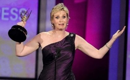 Jane Lynch presenterà gli Emmy Awards 2011