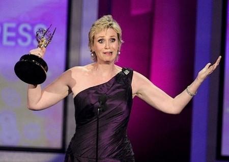 Jane Lynch presenterà gli Emmy Awards 2011