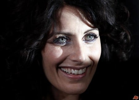 Lisa Edelstein ricorrente in The Good Wife 3, Natalie Zea firma per Justified e Californication