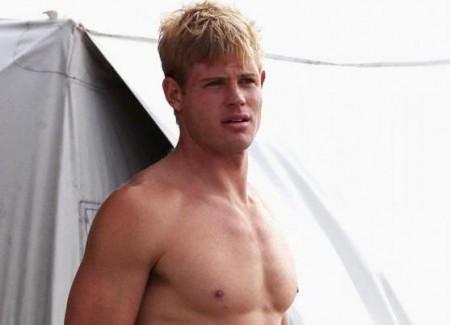 90210, nella quarta stagione addio anche a Trevor Donovan