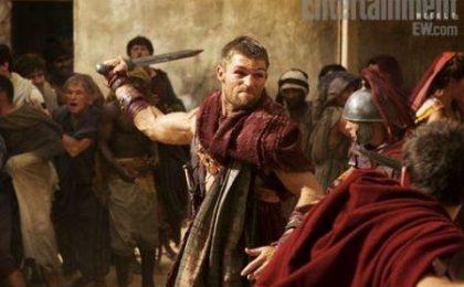 Spartacus 2, le prime foto di Liam McIntyre e il promo di Vengeance