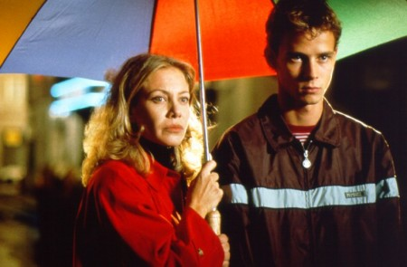 Programmi tv stasera, oggi 01 ottobre 2011: Ti Lascio una Canzone, C'è Posta per Te e Tutto su mia madre. Riparte Amici