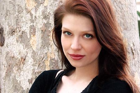 Ringer, l'ex Buffy Amber Benson guest star del decimo episodio