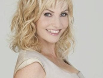 Lorella Cuccarini torna a Domenica In con storie di gente comune e di vip