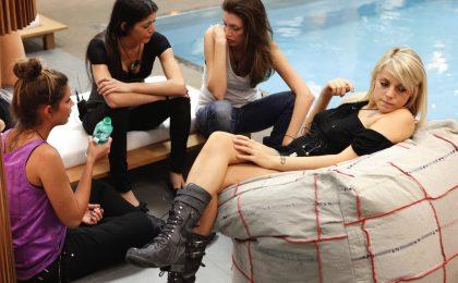 GF 12, anticipazioni seconda puntata: I Soliti Idioti in casa, due nuovi ingressi e Claudia criticata