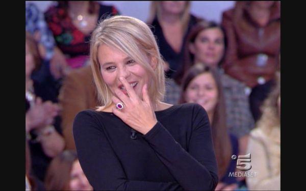 Ascolti tv sabato 15 ottobre 2011: vince la coppia Belen-De Filippi a C'è Posta Per Te