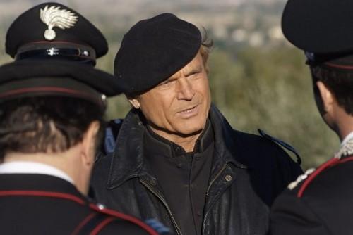 Ascolti Tv giovedì 3 novembre 2011: Io Canto risale a 4 mln ma Don Matteo 8 lo batte nettamente