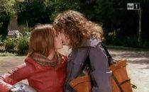 Tutti Pazzi per Amore 3, spuntano baci lesbo su RaiUno