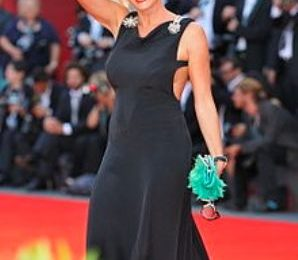 C'è Posta per te, oggi l'ultima: Laura Pausini e Simona Ventura per festeggiare